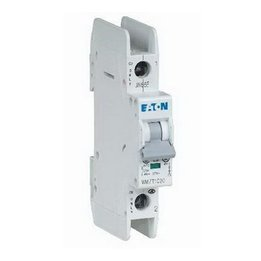 breaker?1487643244 what's the difference between fuse block and circuit breaker 647 difference between fuse box and circuit breaker at edmiracle.co
